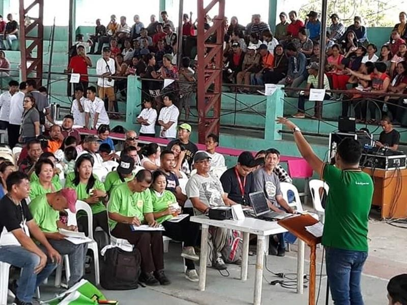 NEGROS OCCIDENTAL. The Mapagmalasakit program information campaign held by the Department of Agriculture in Kabankalan City recently. (Contributed photo)
