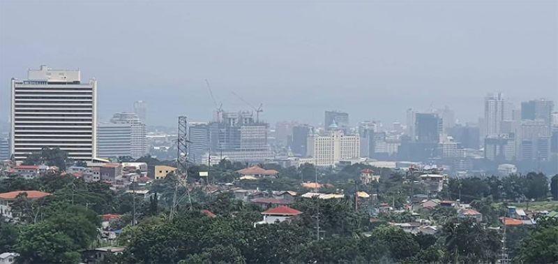 GABON? Susihon sa Environment Management Bureau (EMB) 7 kon unsay hinungdan nga nasinate sa dakbayan sa Sugbo ang foggy o gabon nga palibot. (Arni Aclao)