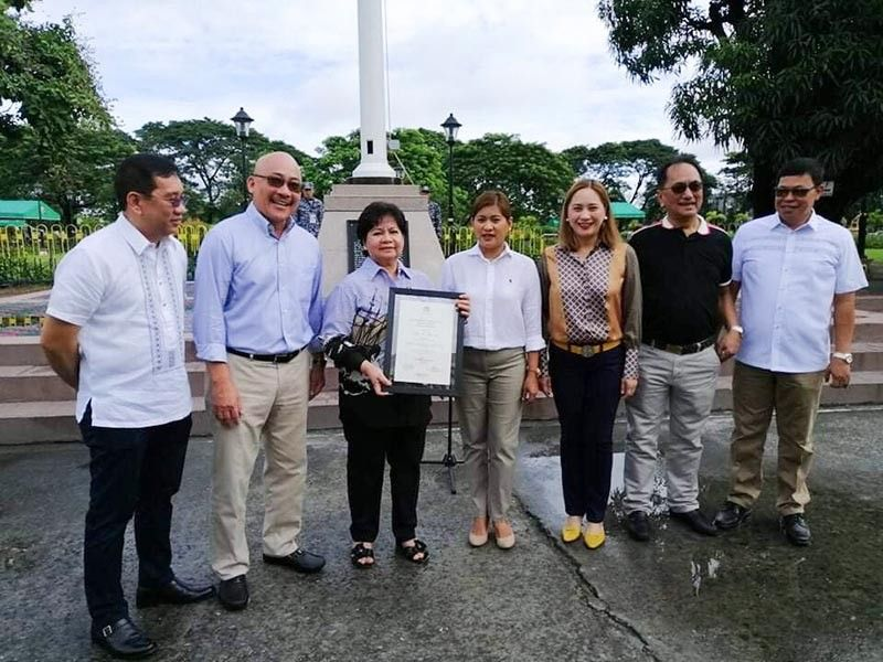 PAMPANGA. The Civil Service Commission-Central Luzon conferred to Vice Governor Lilia Pineda the regional Presidential Lingkod Bayan award at Capitol on Monday, September 16, 2019. (Pampanga PIO)