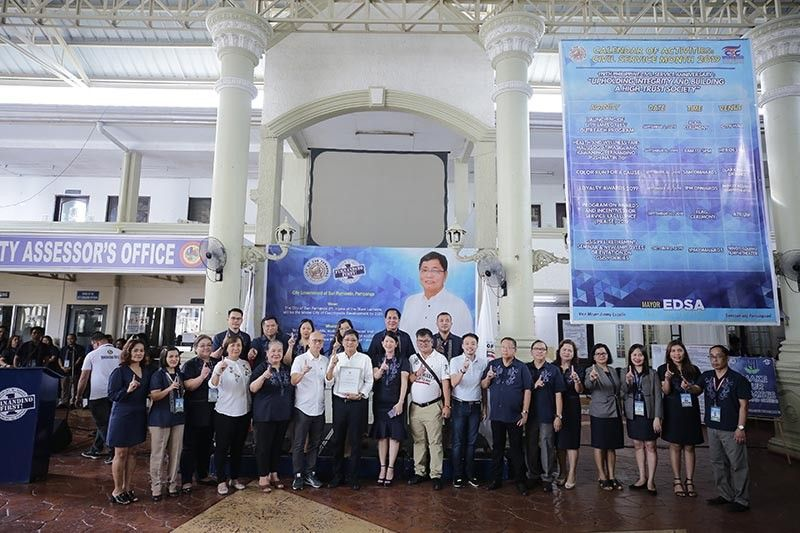 PAMPANGA. City of San Fernando Mayor Edwin Santiago, together with other city officials and heads of offices, accepts the certificate of recognition from the Bureau of Local Government Finance Region III of the Department of Finance on September 16, 2019 at Heroes Hall on behalf of the City Government for attaining the highest total local revenue growth for the Fiscal Year 2018 in Central Luzon. (City of San Fernando- CIO)