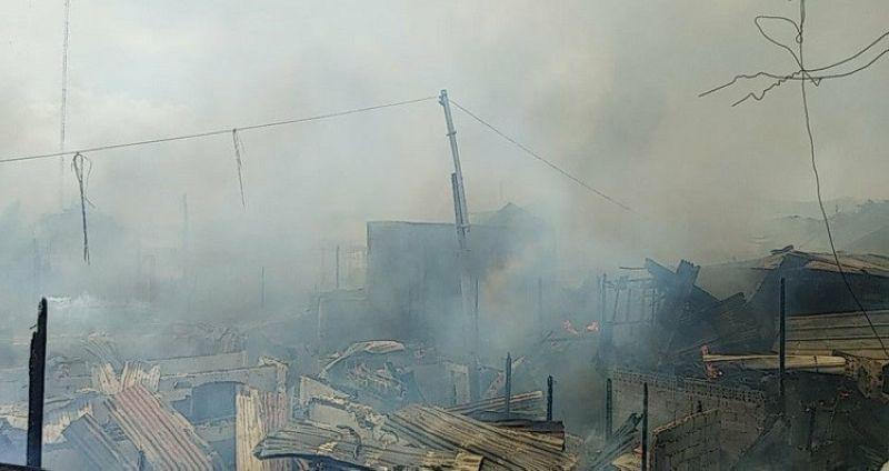CEBU. At least 70 houses were affected after a fire hits Sitio Wang-yu, Abbya, Ipil-Ipil in Barangay Alaska Mambaling, Cebu City. (Photo by Fe Marie Dumaboc)