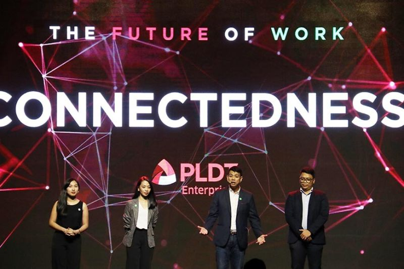 TECH TALK. Gary Ignacio (second from right), vice president and head for fixed core business solutions at PLDT Enterprise, Clarisse Parulan (left), product manager, Edok Agida (right), IP and broadband solutions head and Irene Balanga(second from left), product development officer talk during a PLDT event dubbed as
