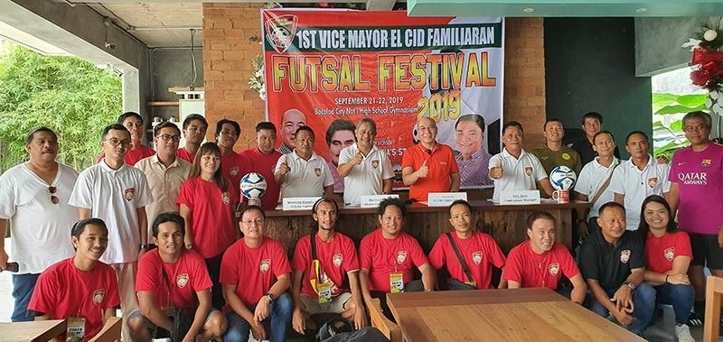 BACOLOD. Bacolod City Vice Mayor El Cid Familiaran with the 1st Vice Mayor El Cid Familiaran Futsal festival referees and coaches during their orientation and press conference held at the Vice Mayor's residence in Barangay Taculing, Bacolod City. (Photo by Carla N. Cañet)