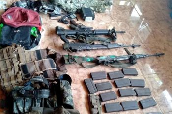 ZAMBOANGA. Government troops seized high-powered firearms and other materiel from three suspected Dawlah Islamiya members, who were arrested Wednesday, September 18, 2019, in the hinterlands of Lanao del Sur. (Contributed photo)