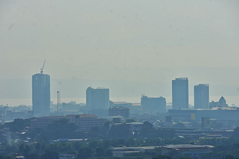 DAVAO. As of September 19, 2019, the Environmental Management Bureau-Davao has recorded a decrease in the level of haze experienced in Davao City, with a recorded good quality of air. But it continues to warn individuals with respiratory problems to take extra precautions when outdoors. (Macky Lim)