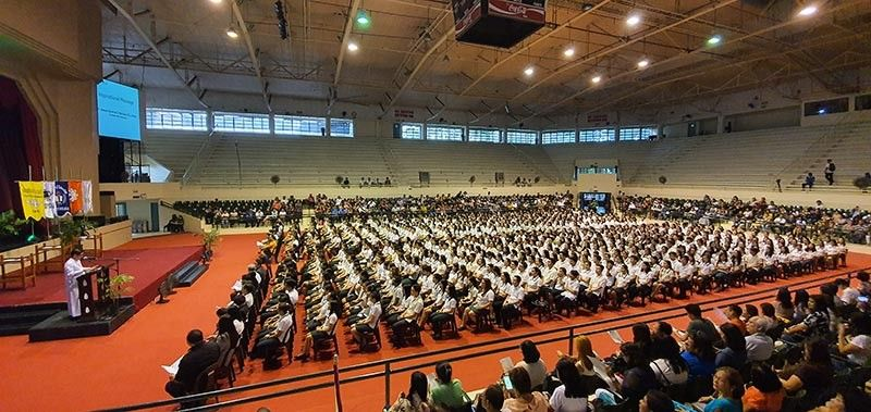 BACOLOD. The University of St. La Salle Bacolod has honored these Dean's listers or Academic Achievers for school year 2018-2019 in rites held at the University coliseum on September 19, 2019. (Photo by Carla N. Cañet)