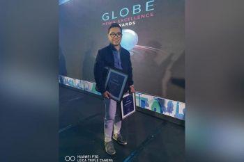 CEBU. SunStar Bacolod journalist Erwin Nicavera receives three finalist citations during the Globe Media Excellence Awards 2019 held at Radisson Blue Hotel in Cebu City Thursday night, September 19, 2019. (Contributed Photo)