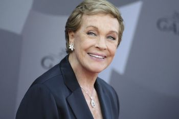 LOS ANGELES. In this September 29, 2015 file photo, actress Julie Andrews arrives at the Los Angeles Philharmonic 2015/2016 season opening gala at Walt Disney Concert Hall in Los Angeles. The American Film Institute is honoring Andrews with a Life Achievement Award. The organization said Friday, September 20, 2019, that Andrews will receive the award at the Gala Tribute on April 25, 2020, in Los Angeles. (AP)