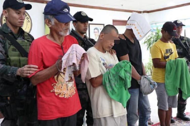 LEYTE. Upat ka most wanted persons sa Dakbayan sa Ormoc ang nasikop sa kapulisan sa Ormoc City Police Office ug City Mobile Force Company. (Contributed photo)