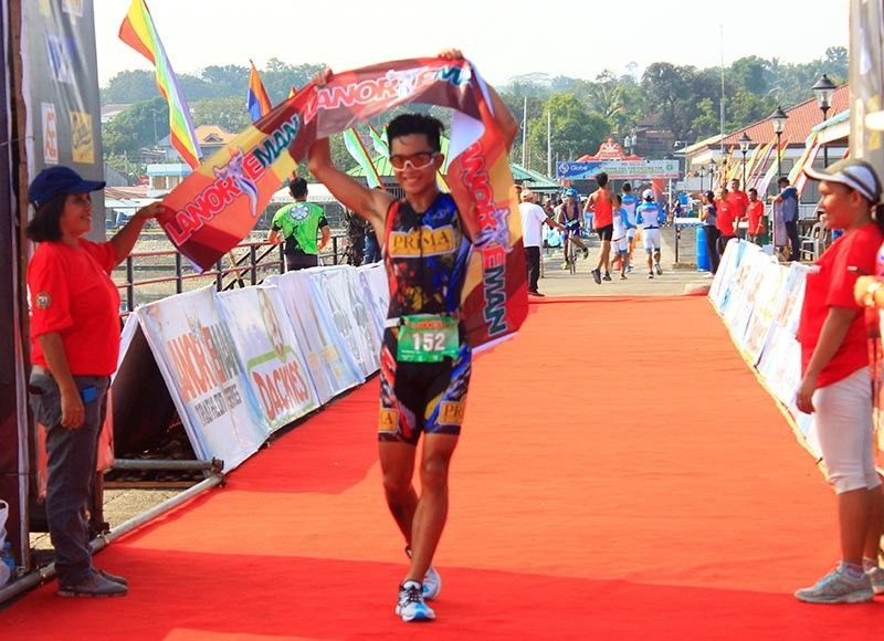 CAGAYAN DE ORO. Juan Francisco Baniqued wins the overall male category for sprint, finishing in 1 hour, 21 minutes and 18 seconds, in the  second leg of the 2019 Lanorteman held in Kauswagan town, Lanao del Norte Sunday morning, September 22. (Jo Ann Sablad)