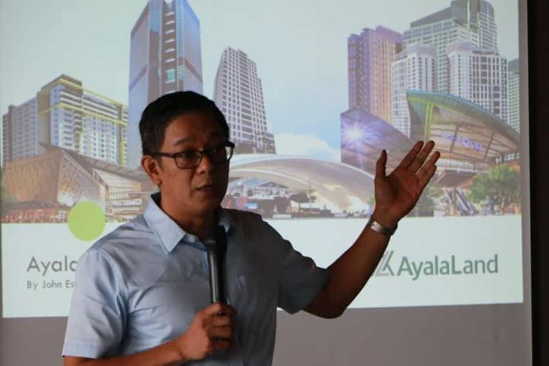PAMPANGA. Alviera and Nuvali general manager John Estacio discusses milestone achievements and future plans and development during Tuesday's Ayala Corporation business updates and round table discussion with mediamen of Tarlac and Pampanga at the club house of Alviera Porac, Pampanga. (Chris Navarro)