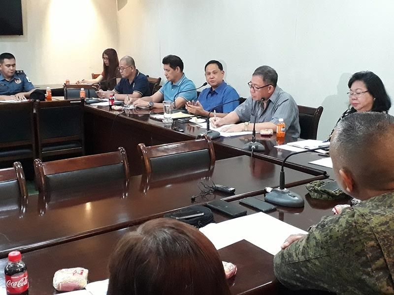 ILOILO. Iloilo Governor Arthur Defensor Jr. during the emergency meeting with different stakeholders and department heads Friday afternoon, September 27, 2019, at the Iloilo Provincial Capitol. (Leo Solinap)