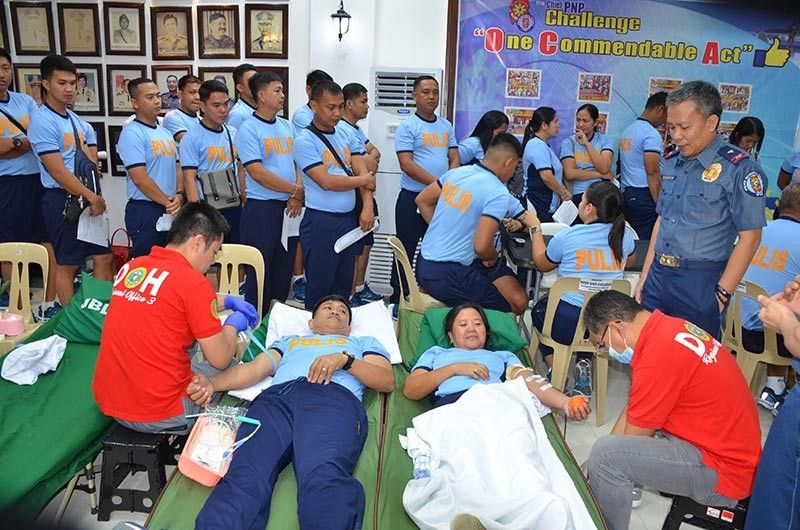 PAMPANGA. A total of 81 Police Regional Office (PRO)-Central Luzon personnel donated blood to the Jose B. Lingad Regional Memorial Hospital. Looking on is Brig. Gen. Leonardo Cesneros, PRO-Central Luzon deputy regional director for administration. (Ric Sapnu)