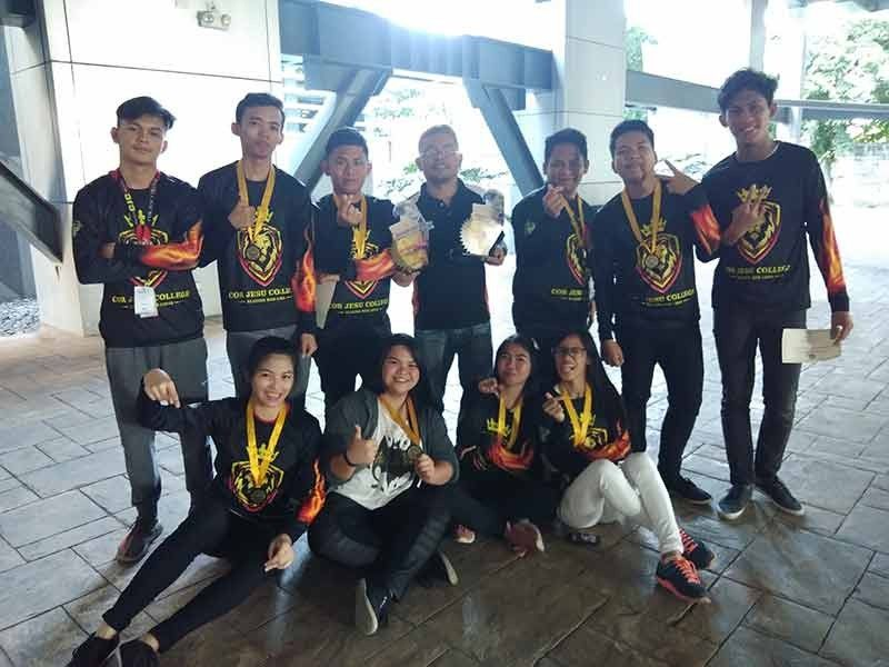 DAVAO. Cor Jesu College of Digos men's and women's teams rule the Dacs Sportsfest 2019 college chess competition held at the Ateneo de Davao University along Jacinto Street, Davao City recently. (Jayjay Geverola Erum Facebook)