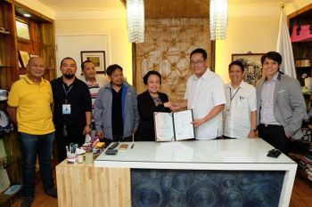 Philsteel Technical Consultant Filoteo E. Maningat, DTI IV-A Consumer Protection Division Supervisor Noli K. Manalo, Steelcorp Plant Manager Ariel Noriel de Castro, DTI-IV-A Consumer Protection Division Chief Felizardo Cupit, DTI IV-A Regional Director Toledo, Steelcorp Sales Director Nestor Cabrera, Philsteel Group Technical Services Manager Bernard Selga and Provincial Trade & Industry Officer Desiderio G. Jurado III.(PR)