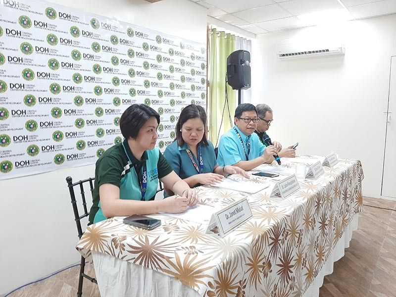 DOH-3 Reg. Dir. Cesar Cassion assures the public that there is no outbreak on any disease in Central Luzon. Joining him during the press conference are RESU Head Dr. Jessie Fantone, Local Health Support Division Chief Dr. Lailani Mangulabnan and Family Health Cluster Head Janet Miclat. (Princess Clea Arcellaz)
