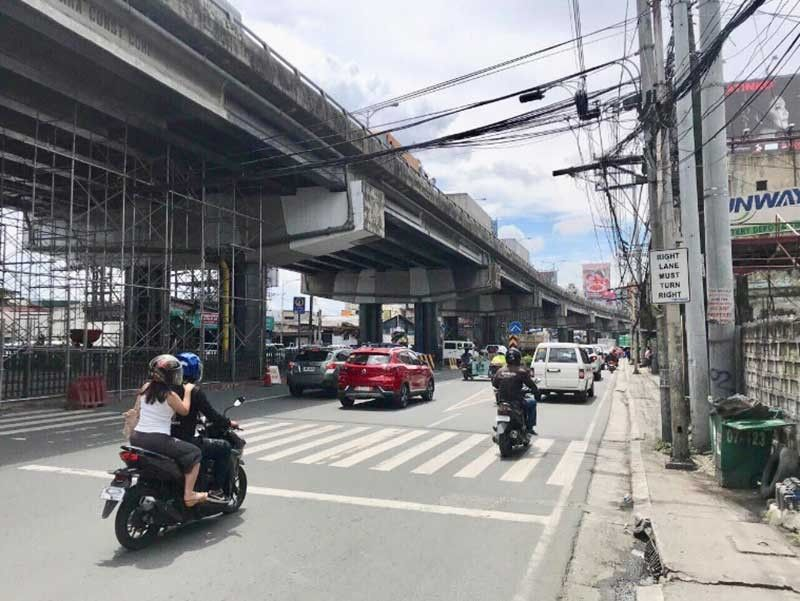 MANILA. By 1 p.m. of September 30, 2019, no more jeepneys could be seen in Bagong Ilog along C5 road and along Ortigas extension. Pasig City, however, has deployed buses to provide free rides. (Photo from DOTr and LTFRB)