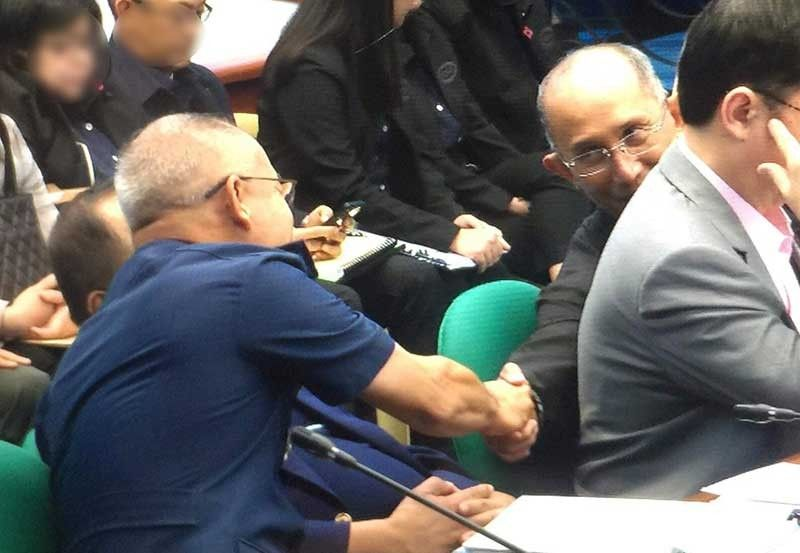MANILA. PNP Chief Oscar Albayalde (left) shakes hands with Baguio City Mayor Benjamin Magalong, former CIDG chief, before the Senate hearing on October 1, 2019. (Contributed Photo)