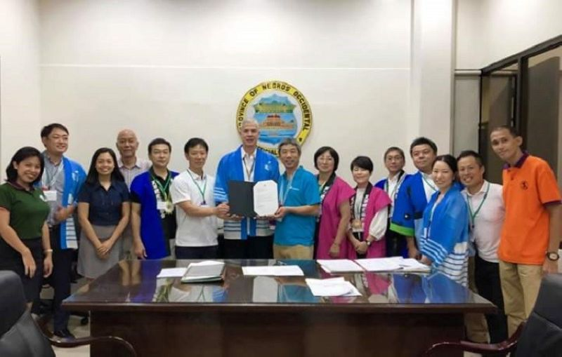 BACOLOD. Amakusa Tourism Promotion Team visits Negros Occidental Governor Eugenio Jose Lacson (seventh from left) at the Provincial Capitol in Bacolod City. Also in the photo is Provincial Supervising Tourism Operations Officer Cristine Mansinares (third from left). (Contributed photo)