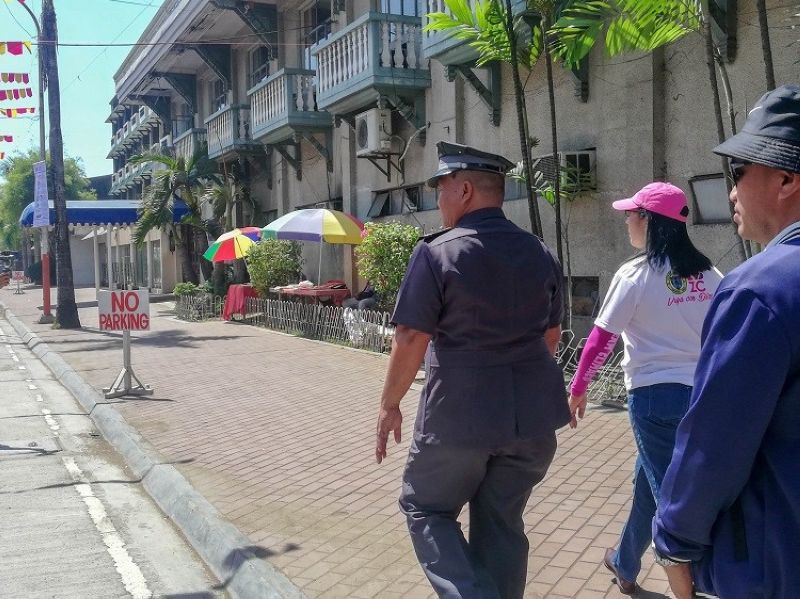 ZAMBOANGA. Mayor Beng Climaco-Salazar, together with the regional validating team of the Department of the Interior and Local Government, during an inspection in downtown Zamboanga for its compliance in clearing the roads of illegal structures and constructions. (Photo by Kathy Wee Sit, Beng Climaco Facebook page)