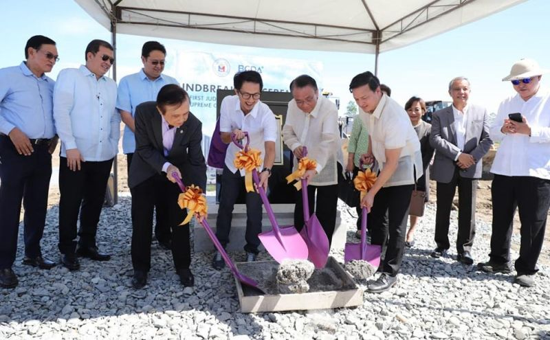 The Supreme Court, led by Chief Justice Lucas Bersamin and Bases Conversion and Development Authority president and chief executive officer Vivencio Dizon, lead the groundbreaking ceremony for its first regional judiciary center at the New Clark City on October 4, 2019. (Contributed photo)