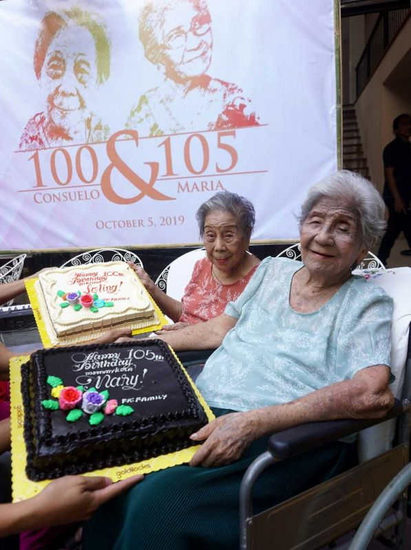 CELEBRANTS. Sisters Consuelo Bacaltos (left) and Maria Bacaltos-Canonigo celebrated their birthdays together on Saturday, Oct. 5, 2019, the day Consuelo turned 100. Maria turned 105 on Sept. 13. (SUNSTAR FOTO / ALAN TANGCAWAN)