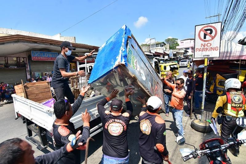 DAVAO. Davao City Transport and Traffic Management Office (CTTMO) conducts a clearing operation at the Bankerohan Market in compliance to the Department of the Interior and Local Government (DILG) Memorandum Circular 2019-121, which gave local government units (LGUs) a 60-day ultimatum to clear the roads in their respective areas. (Photo by Macky Lim)