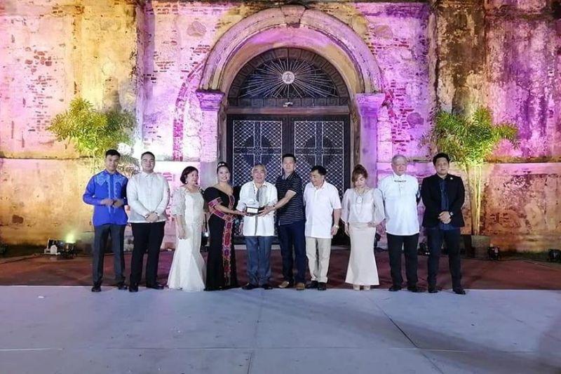 LA TRINIDAD. Officials from La Trinidad recently bag two awards in the Pearl Awards held in Ilocos Norte last week. (Contributed Photo)