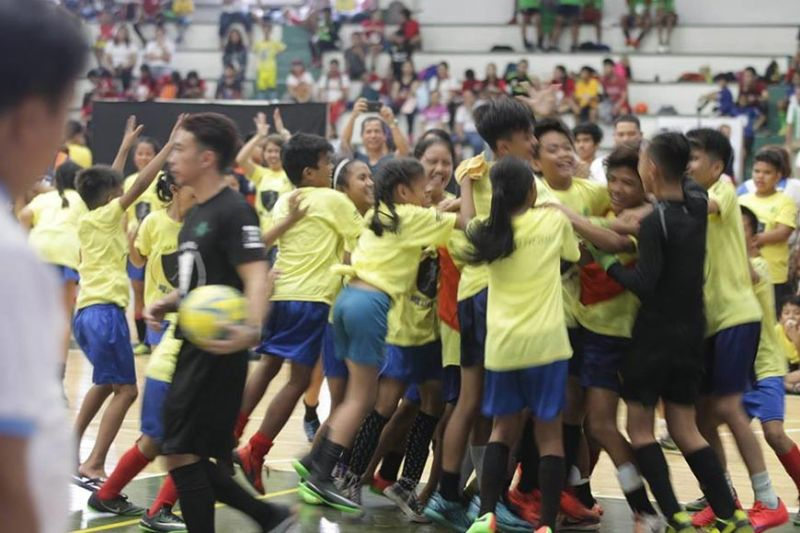 CAGAYAN DE ORO. Kids celebrate during the finals of the Liga Eskwela in Manila. (Contributed photo)