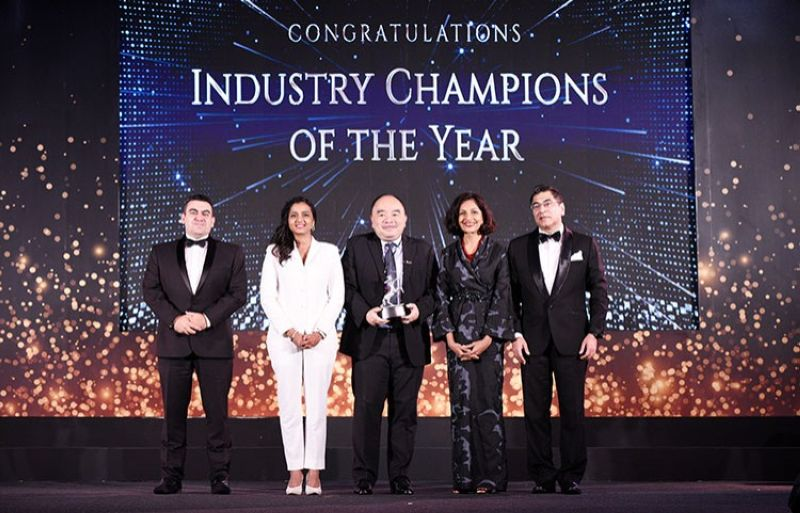 MANILA. BDO was given the Industry Champion of the Year award during the 2019 Asia Corporate Excellence & Sustainability Awards. Representing the bank was Luis Reyes Jr. (center), executive vice president and head of Investor Relations and Corporate Planning Group. Reyes received the award from (left to right) Luis Bueno Nieto, jury of Aces Awards; Shanggari Balakrishnan, CEO of MORS Group; Jayanthi Desan, jury of Aces Awards; and Hemant Batra, chairman of Aces Awards. (Contributed photo)
