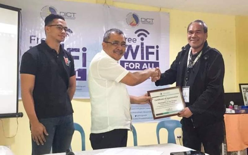 BACOLOD. Department of Information and Communications Technology (DICT) in Negros Occidental launches the Free Wi-Fi for All Project in San Enrique town Tuesday, October 8, 2019. In photo, DICT-Negros Occidental personnel led by Provincial Officer Romeo Tome (right) and San Enrique Mayor Jilson Tubillara (center). (Contributed Photo)