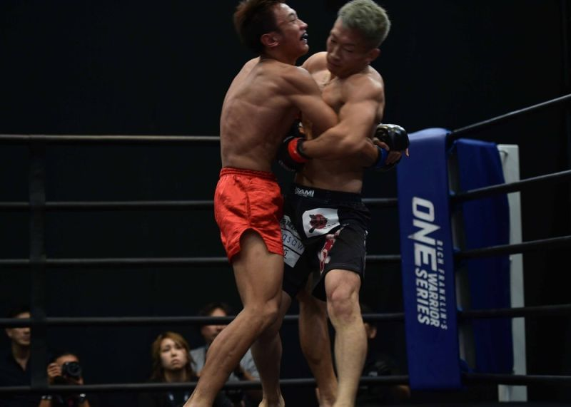 JAPAN. Despite having the height advantage, Jerry Olsim fell to a better and well-rounded fighter in Rich Franklin's ONE Warrior Series during the weekend in Tokyo, Japan. (OWS photo)