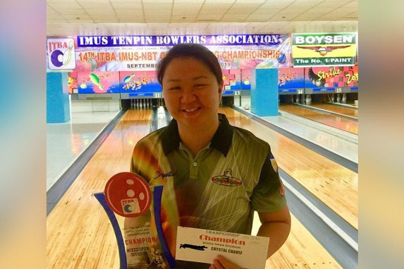 DAVAO. Crystal Chavez poses with her open masters division champion's trophy after topping the 14th Imus Tenpin Bowlers Association (Itba)-Imus NBT Open Tenpin Bowling Championships 2019 in Imus, Cavite Sunday, October 6., 2019. (Contributed photo)