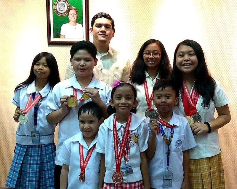 DAVAO. Students who brought home gold and silver medals in different international math competitions had a courtesy call with Davao City Vice Mayor Sebastian Duterte Tuesday, October 8, 2019. (Reijde Lynne Dumogho)