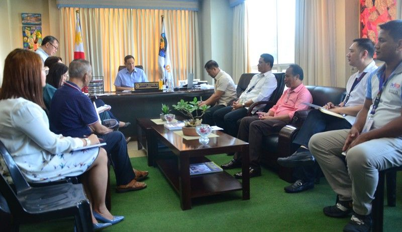 ILOILO. Governor Arthur Defensor Jr. meets with the Provincial School Board on October 3, 2019 to discuss implementation of its budget for 2019. (Contributed photo)