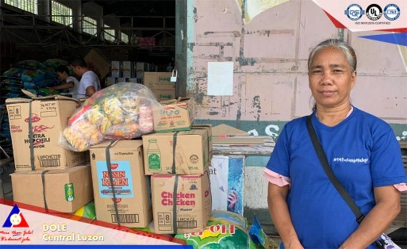 PAMPANGA. The Department of Labor and Employment gave livelihood assistance to displaced workers of the Chuzon Supermarket in Porac town. The supermarket collapsed after a 6.1-magnitude earthquake that hit parts of Luzon on April 22, 2019. (Contributed photo)