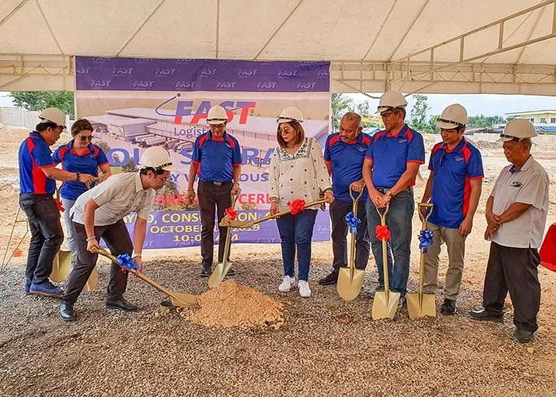 NEW WAREHOUSE. Top officials of Fast Logistics Corp. broke ground on Thursday, Oct. 10, 2019, for the construction of its  integrated cold and dry warehouse in Tayud, Consolacion. (Sunstar Photo / Arni Aclao )