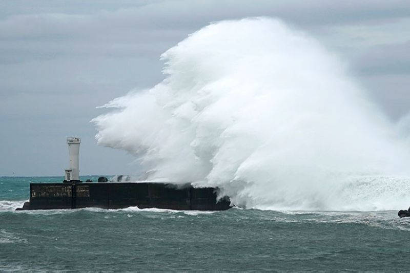 JAPAN. Surging waves hit against the breakwater while Typhoon Hagibis approaches at a port in town of Kiho, Mie prefecture, central Japan Friday, October 11, 2019. (AP)