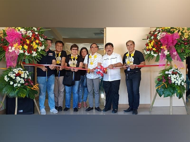 PAMPANGA. Mayor Dante Torres, Tesda Representative Florencio Sunico, Tesda Regional Director Nenuca E. Tangonan and Tesda Provincial Director Jaime Castillo lead the inauguration of the new Pampanga Training Center in Guagua town, which was also conferred its training registration. (Ian Ocampo Flora)
