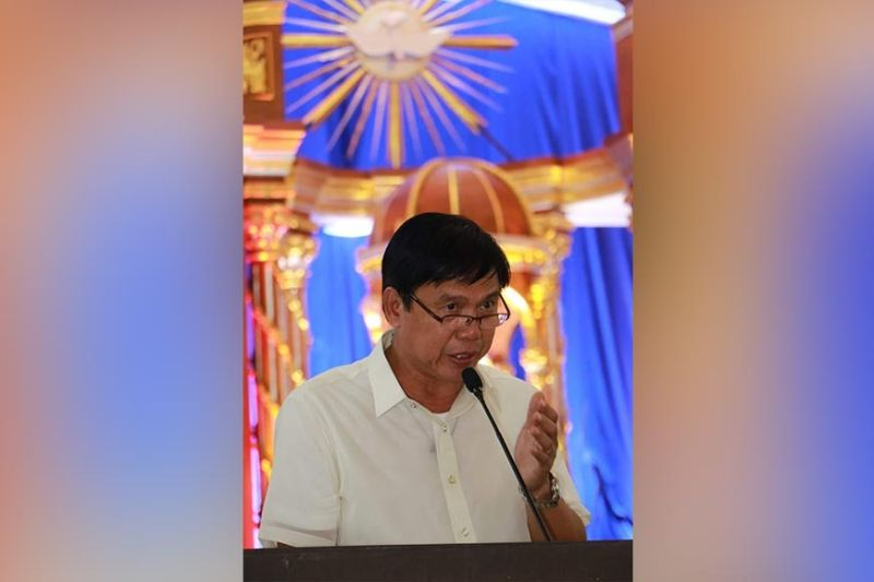 PAMPANGA. San Simon Mayor Abundio Punsalan, Jr. delivers on October 12, 2019 his state of the municipality address which highlighted his many accomplishments, programs and projects in his first 100 days as local chief executive at Nuestra Senora del Pilar Parish Church. (Photo by Chris Navarro)