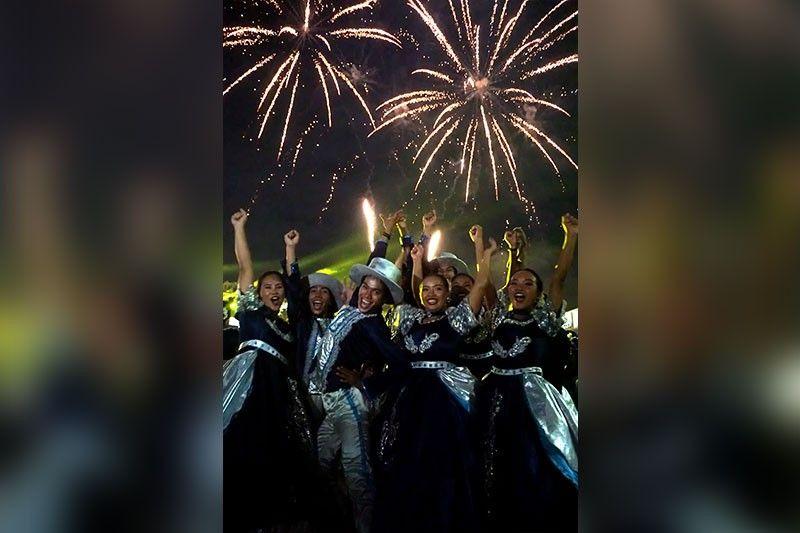 MIDAUG HALAD INASAL FESTIVAL: Ang Talisay City National High maoy nidaug sa Halad Inasal Festival 2019 sa Street Dancing ug Ritual Show Down alang sa secondary division. (Alex Badayos)
