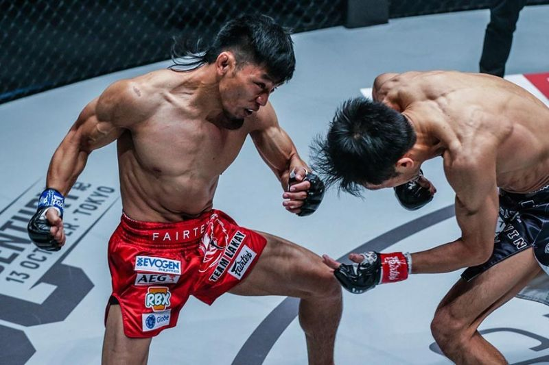 BRIGHT SPOT. With four other Filipinos unsuccessful in their One Championship bout Sunday the Ryogoku Kokugikan in Tokyo, Japan, Lito Adiwang made his debut a memorable one submitting former Pancrase champion Senzo Ikeda of Japan in the first round. (One Championship photo)