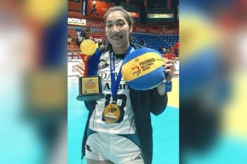 BEST BLOCKER: Ang Sugboanong si Lorene Grace Toring nga mapasigarbuhon kaayong mipakita sa iyang unang award isip rookie player sa Adamson University sa bag-o lang natapos nga Premier Volleyball League Collegiate Conference sa Manila. Siya ang nahimong sa best middle blocker awardee sa competition. (Tampo)