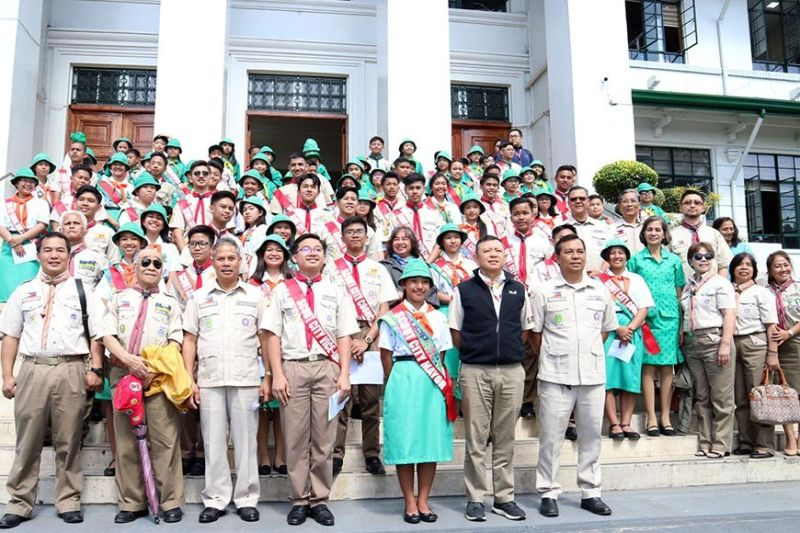 BAGUIO. The Baguio City Boy Scout Council led by former city mayor and SunStar Baguio president Peter Rey Bautista pose for posterity during the Scouts Officials For a Day at the Baguio City Hall on Monday, October 14, 2019. (Photo by Redjie melvic Cawis)