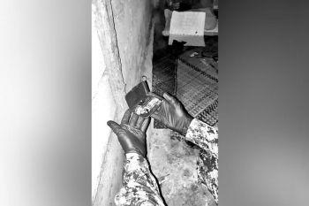 SULTAN KUDARAT. Makita ang mga ebidensiya nga nagkatag sud sa balay nga napatyan sa 3 ka suspek nga giingong nisukol sa mga awtoridad atol sa anti-drug operation. (Sultan Kudarat PNP)