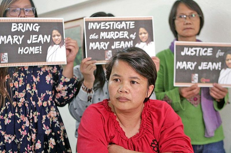 BAGUIO. Lilian Falyao (cousin of Mary Jean) desperately cries for help for the fast resolution and justice for Mary Jean Balag-ey-Alberto, an overseas Filipino worker in Abu Dhabi. Based on the victim's exchanges with her family before her death, she was abused by her female employer and pushed to her death October 2, 2019. (Jean Nicole Cortes)