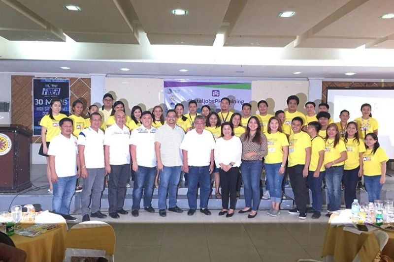 BACOLOD. DICT-Negros Occidental personnel with Kabankalan City officials headed by Mayor Pedro Zayco (seventh from left) and scholars of the Digital Jobs PH Technical Training Project during the project launching in the locality last month. (Contributed Photo)