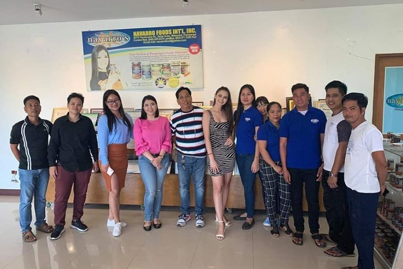 PAMPANGA. Miss Millennial Pampanga 2019 Angela Maria Robson is joined by Municipal Tourism Officer Mercy Manansala, Sangguniang Kabataan chairwoman Marissa Navarro, other local officials and employees of Navarro's Tabang Talangka during her visit in Masantol town on Tuesday, October 14, 2019. (Contributed photo)