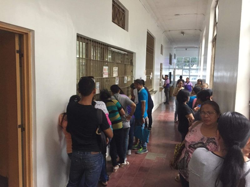 CAGAYAN DE ORO. Capitol employees are lining up at the treasurer's office to get their mid-year bonus, Thursday, October 17. (Photo courtesy of MisOr PIO)
