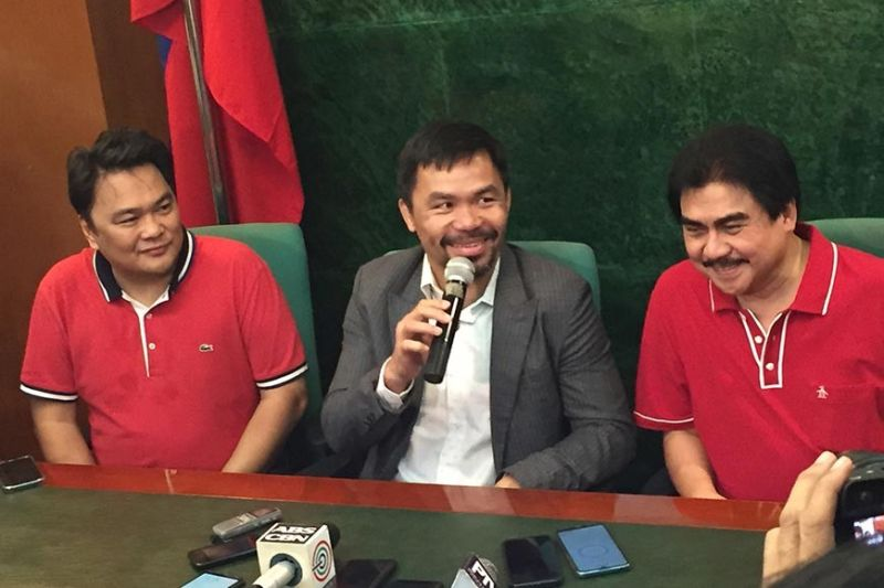 Senator Manny Pacquiao along with Bacolod City Mayor Evelio Leonardia and Congressman Greg Gasataya in a press conference at the Bacolod Government Center in Bacolod City yesterday./ photo by Merlinda A. Pedrosa